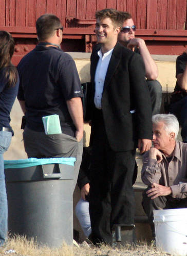 Robert Pattinson kertas dinding entitled lebih WFE Set Pics Of Rob