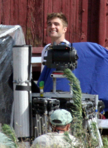 más WFE Set Pics of Rob