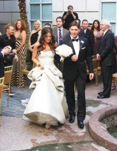 Jensen Ackles wallpaper entitled Mr & Mrs Ackles