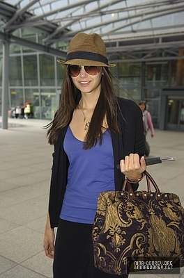 Nina Arrives @ Heathrow Airport