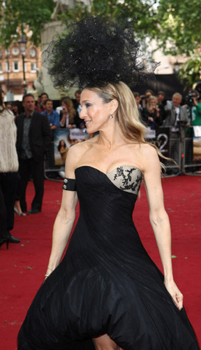 "Sarah Jessica Parker wallpaper entitled SJP @ ""Sex and the City 2"" UK Premiere"
