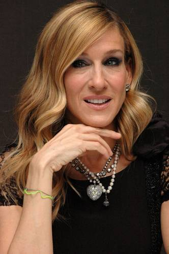 "Sarah Jessica Parker wallpaper entitled SJP @ ""Sex and the City 2"" Worldwide Press Conference"