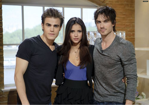 The Vampire Diaries TV ipakita wolpeyper titled TVD Cast - This Morning (HQ)