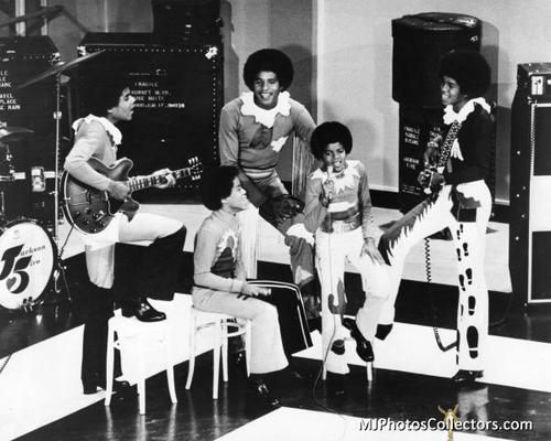 The Jackson 5 Performing