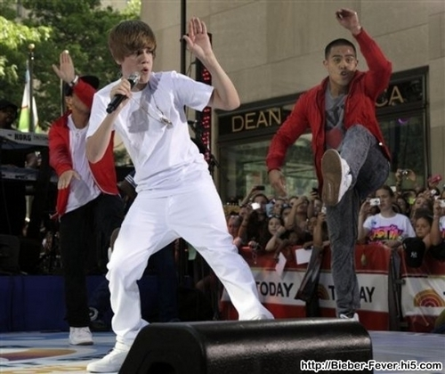 "Justin Bieber Performs On NBC's ""Today"""