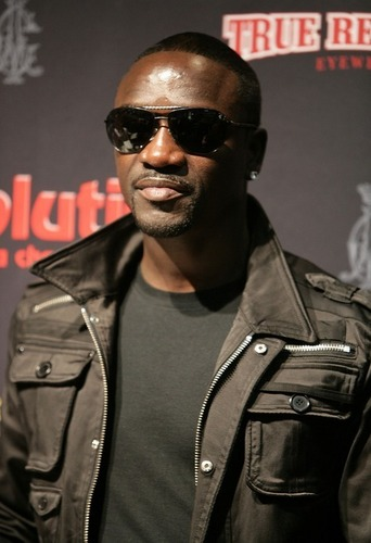 * WONDERFUL Akon *