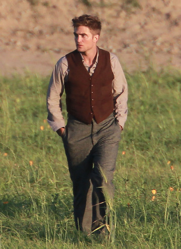 """Water For Elephants"" Set Pics [June 3rd]"
