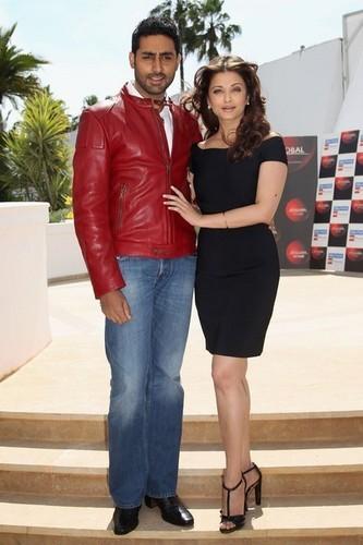 "Aishwarya Rai & Abhishek Bachan Cannes Filmfestival 2010 ""Raavan"" - Photocall"
