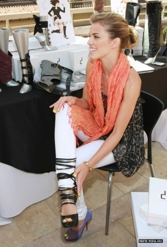 AnnaLynne @ mtv Movie Awards Style Lounge At Montage Beverly Hills