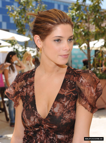 Ashley Greene at Kari Feinstein MTV Movie Awards Style Lounge