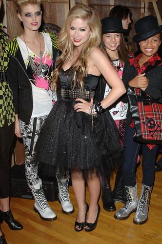 Avril Lavigne~