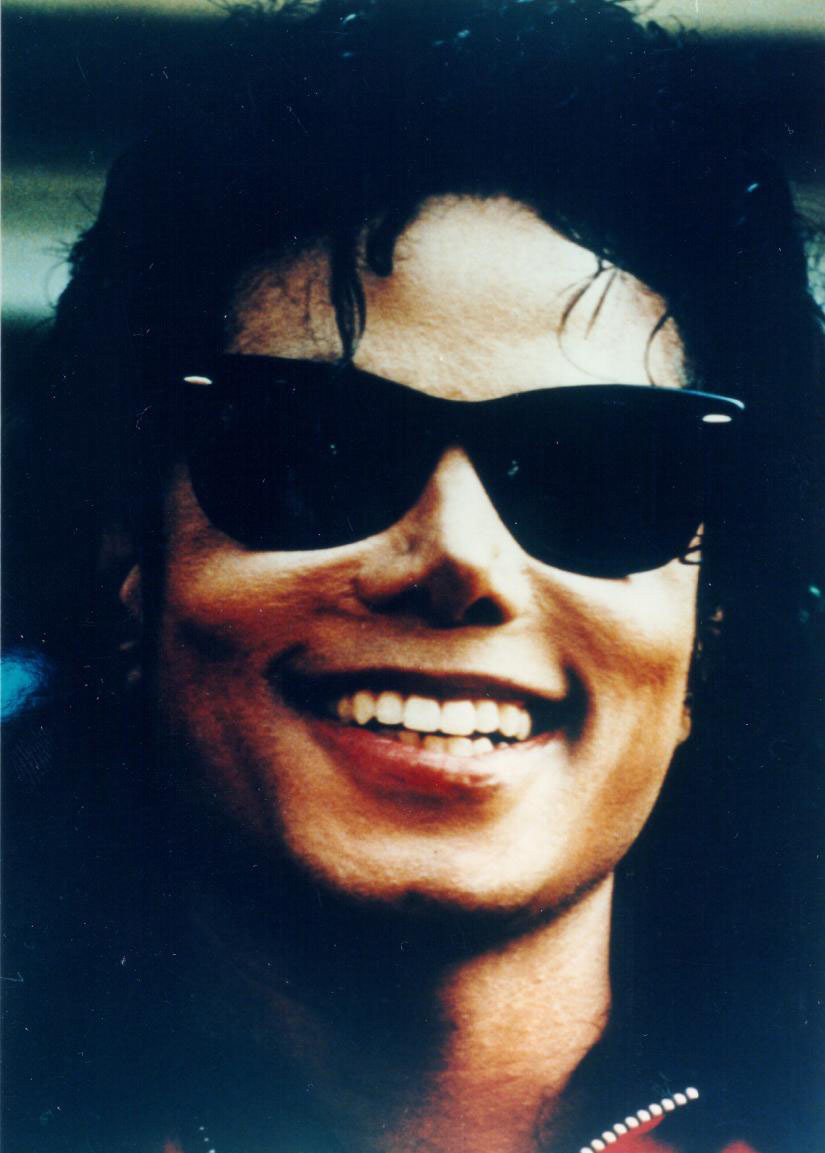 BEAUTIFUL SMILE - michael-jacksons-smile photo