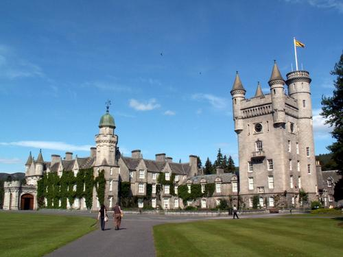 Masquerade wallpaper entitled Balmoral Castle