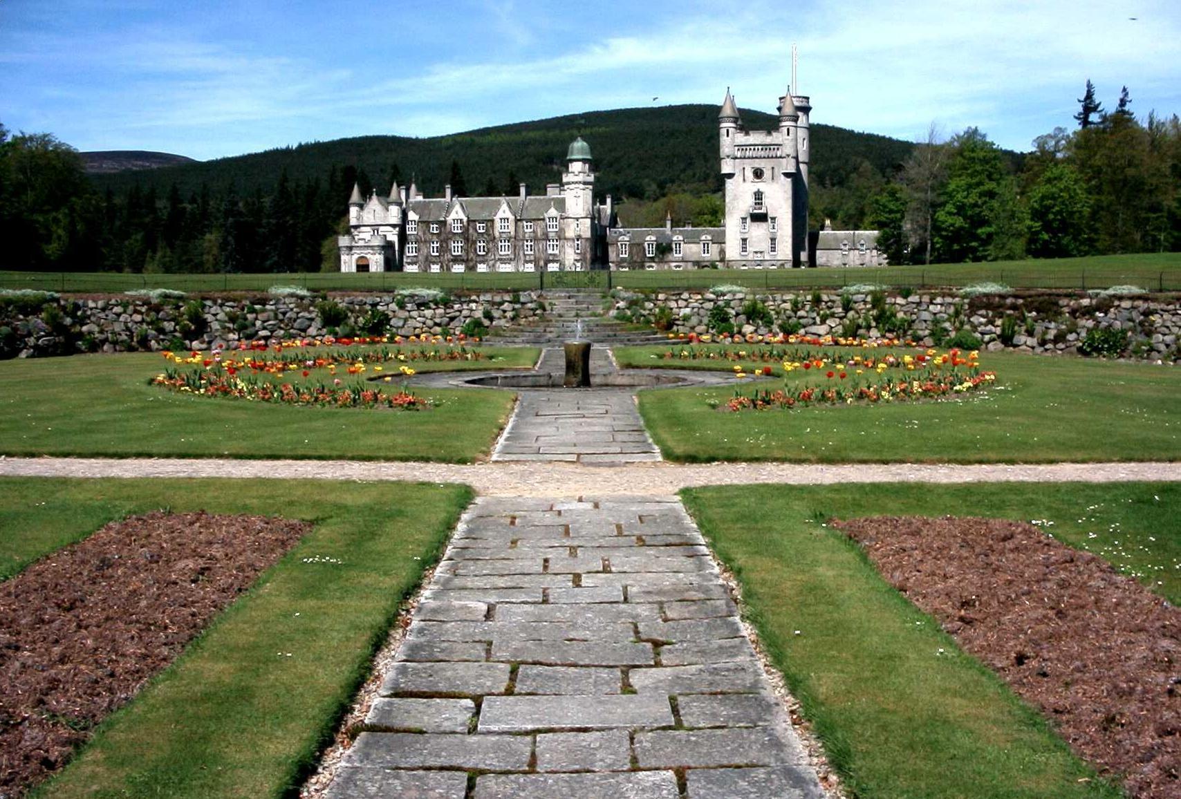 Balmoral Castle Masquerade Photo 12708523 Fanpop