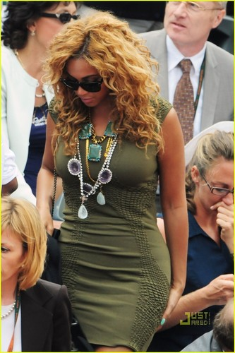 Beyonce: French Open with Jay-Z! - beyonce Photo