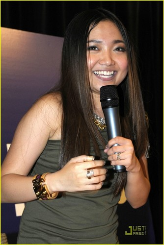 Charice Pempengco wallpaper entitled Charice Has the Bieber Fever