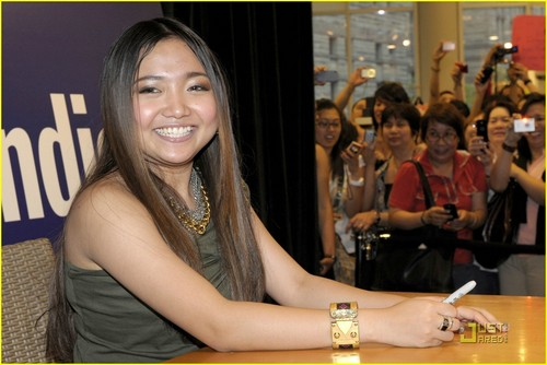 Charice Pempengco wolpeyper called Charice Has the Bieber Fever