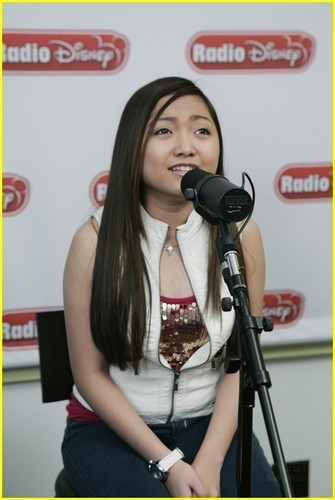 Charice Pempengco ArchivesThu, 03 June 2010Charice Takes Over Radio Дисней