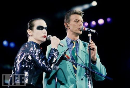 David Bowie Performs at The Freddie Mercury Tribute সঙ্গীতানুষ্ঠান for AIDS Awareness