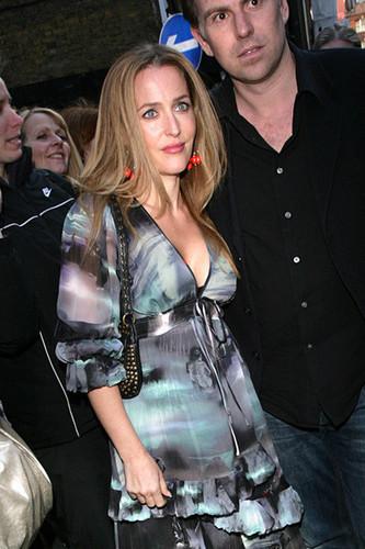 Gillian 2010