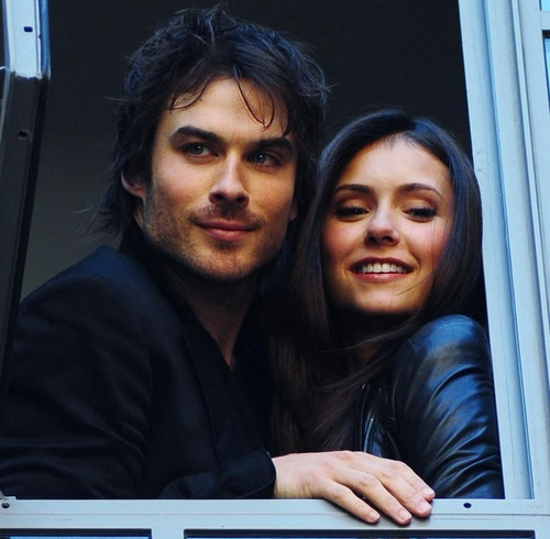 The Vampire Diaries Couples wallpaper titled Ian & Nina
