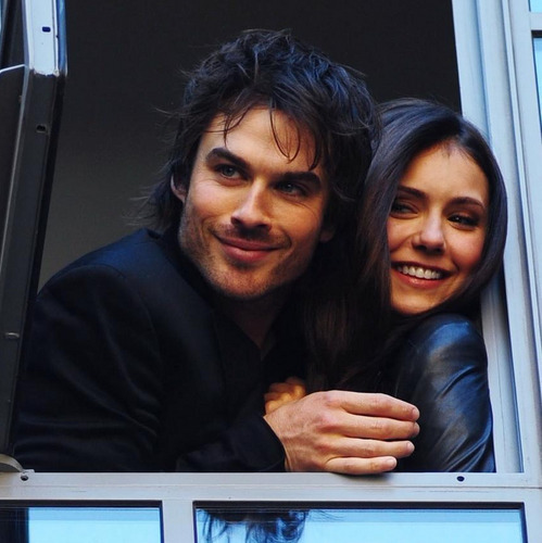 The Vampire Diaries Couples वॉलपेपर titled Ian & Nina