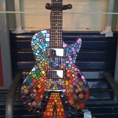 Matt's Manson Resistance violão, guitarra