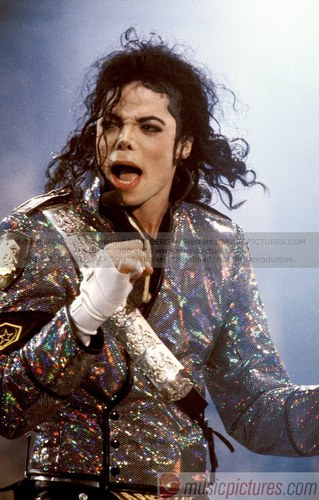 Dangerous era 바탕화면 called Michael