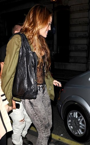 Miley out in Londra