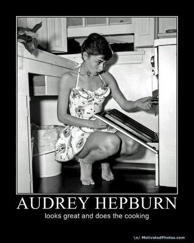 audrey hepburn bilder motivational poster hd hintergrund and background fotos 12738850. Black Bedroom Furniture Sets. Home Design Ideas
