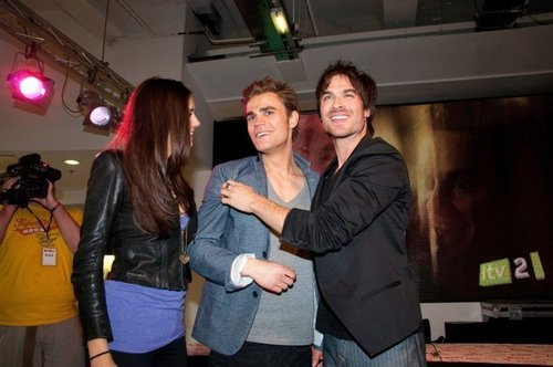 Paul, Nina & Ian @ HMV Oxford Circus, London