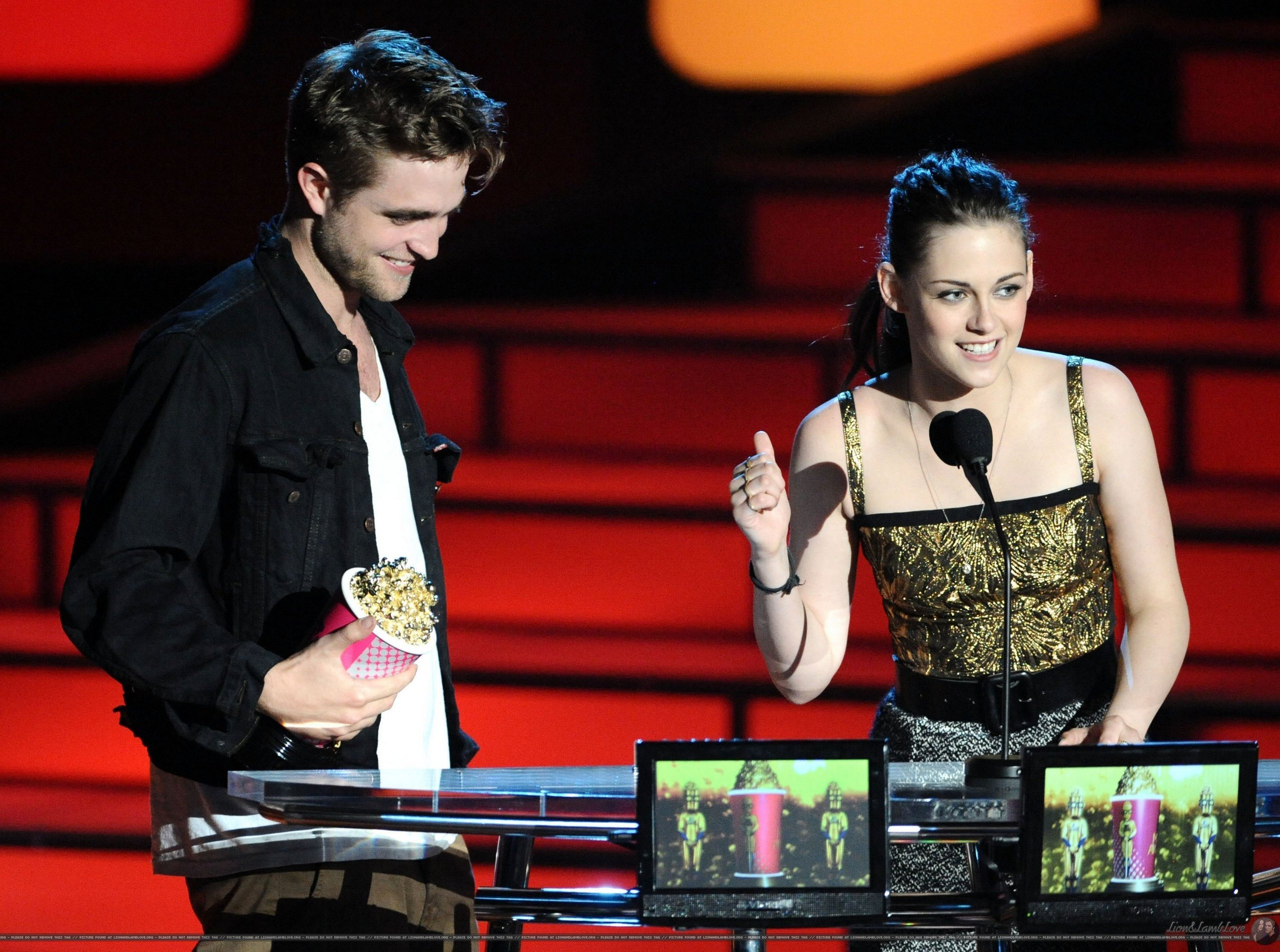 Rob & Kristen এমটিভি Movie Awards 2010