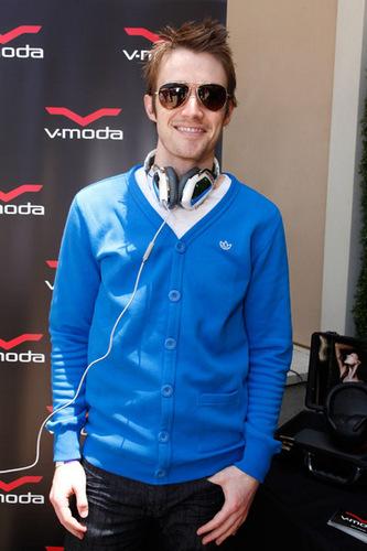 Robert Buckley at Kari Feinstein MTV Movie Awards Style Lounge
