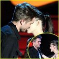 Robert Pattinson & Kristen Stewart: Best Kiss Couple