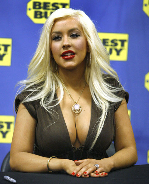 Christina Aguilera Xtina looking hot!!