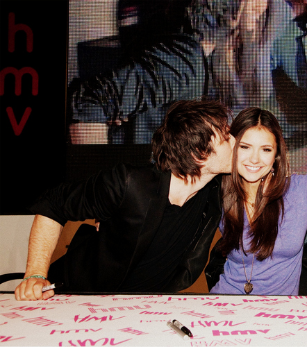 Ian kisses Nina ღ - ian-somerhalder-and-nina-dobrev Photo