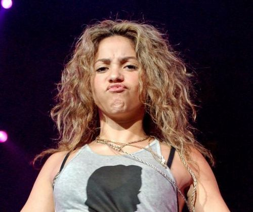 Shakira baciare