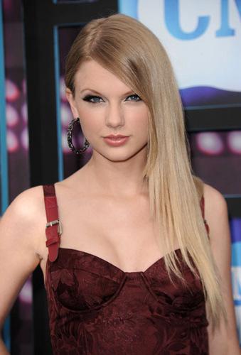2010 CMT 音楽 Awards