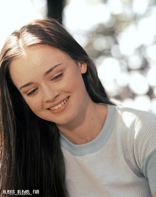 Gilmore Girls fond d'écran called Alexis Bledel Season 2 promotional stills