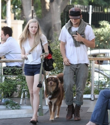 Amanda out and about in LA June 7th,2010