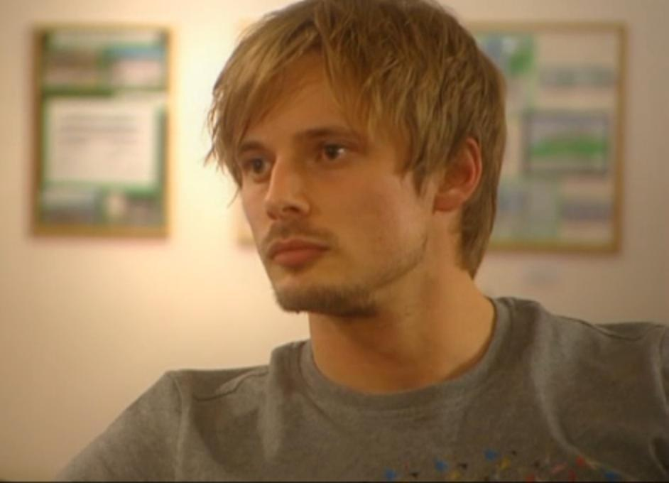 bradley james smile - photo #10