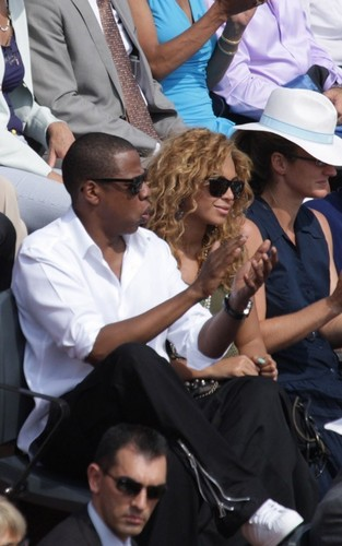 beyonce and jay z at the French Open (June 6)