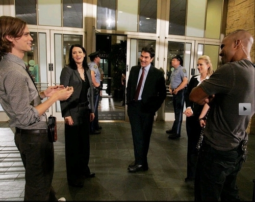 CM behind the scenes of 3x05