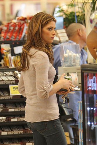 Candids: Ashley Greene stops at Ralph's, a sound studio and her stylist [June 7th]
