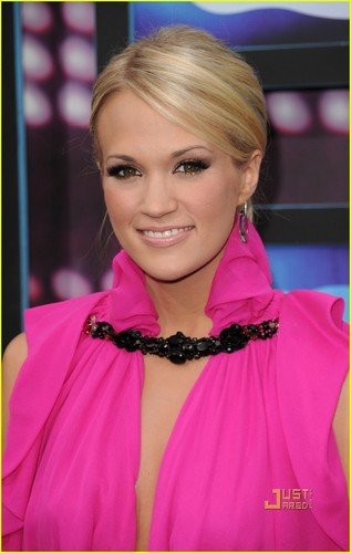 Carrie @ 2010 CMT musique Awards