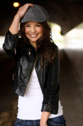 DCOM StarStruck wallpaper called Danielle Campbell Photoshoot #2 unknown