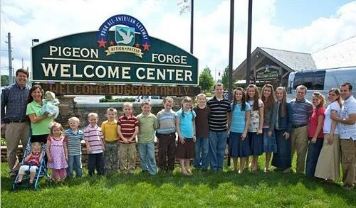 Duggar Family - the-duggar-family Photo
