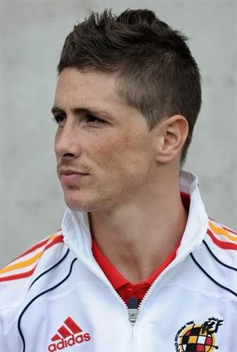 Fernando Torres achtergrond entitled F.T - New hair cut