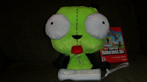 GIR playing WII!!!!!!!!!!