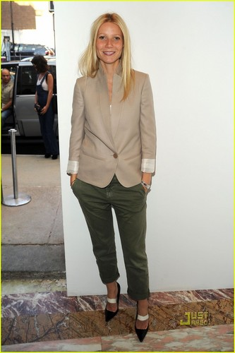 Gwyneth Paltrow: Stella McCartney Supporter